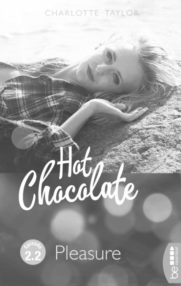 Hot Chocolate Charlotte Taylor Frau liegt Hemd Pleasure Strand