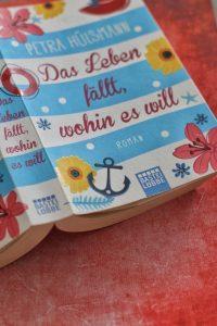 Das Leben fällt wohin es will Petra Hülsmann Cover Lübbe Verlag Roman