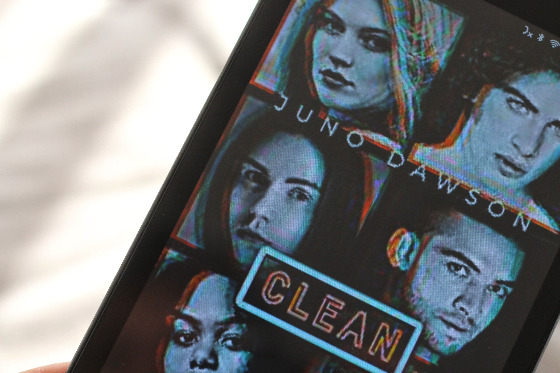 Juno Dawson Clean Carlsen Verlag Rezension Netgalley Rezensionsexemplar Jugendbuch Entzug Lexi